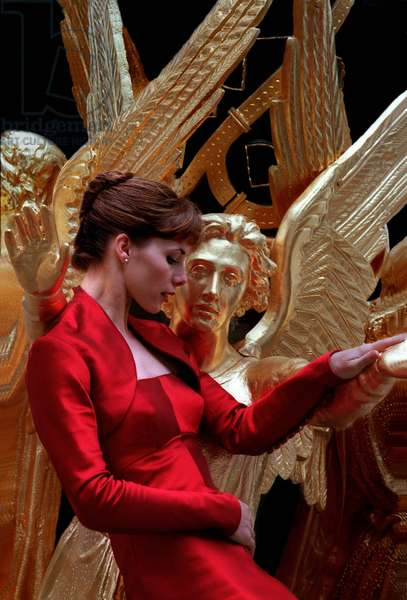 Darcey Bussell ballerina in the arms of golden angel-