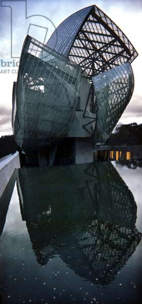 Louis Vuitton Foundation By Architect Frank Gehry