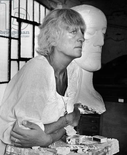 Elizabeth Frink, 1973 (b/w photo)