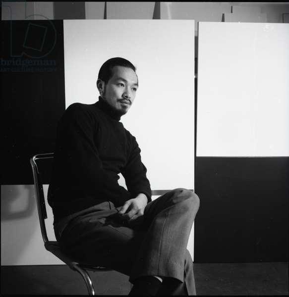Richard Lin in his studio, 1964 (b/w photo)