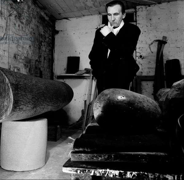 William Turnbull, 1964 (b/w photo)