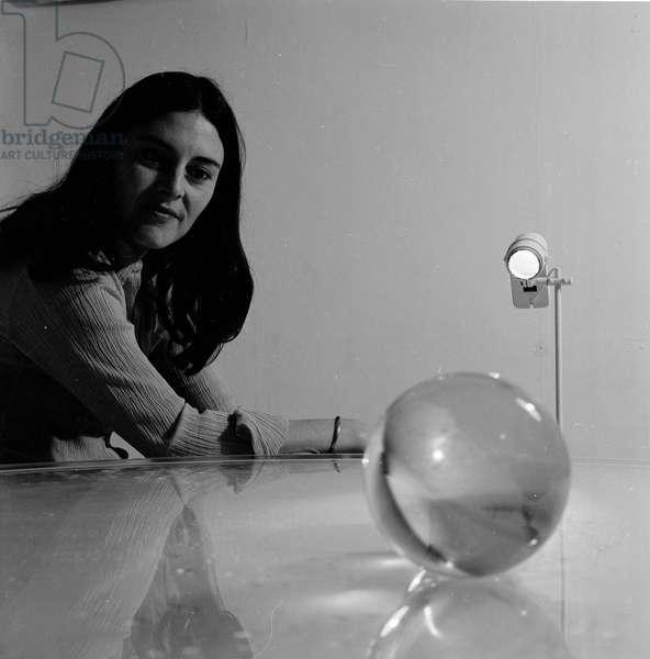 Liliane Lijn, 1968 (b/w photo)