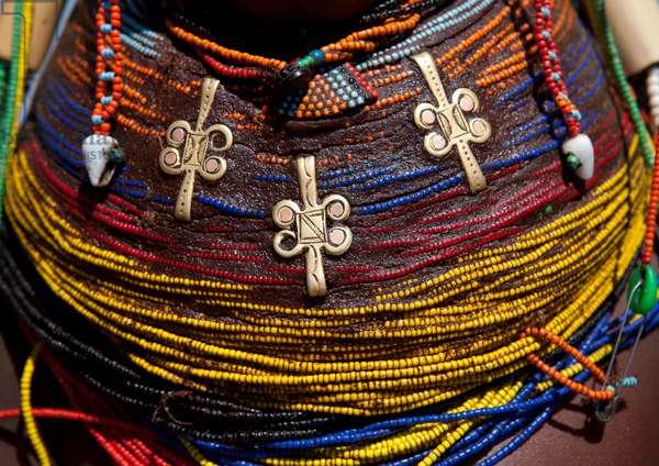 Mumuhuila Giant Necklace, Hale Village, Angola, Africa (photo)