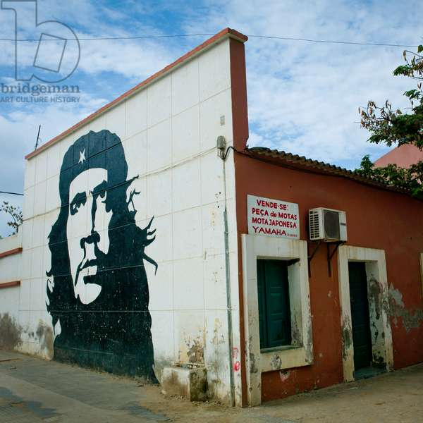 Wall Painting representing Che Guevara on a House, Sumbe, Angola, Africa (photo)