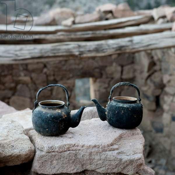 Coffe Pots in Hills near the Yemeni Border, Saudi Arabia (photo)