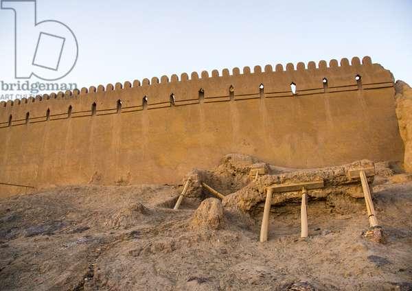 Restoration Of The Old Citadel Of Arg-é Bam, Kerman Province, Bam, Iran, 2016 (photo)