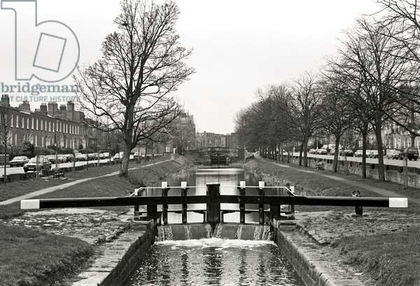 Grand Canal, Dublin, referred to in James Joyce 'Dubliners', Ireland (photo)