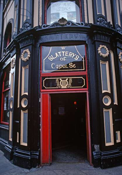 Slattery's of Capel Street, Dublin, Referred in James Joyce 'Ulysses', Ireland (photo)