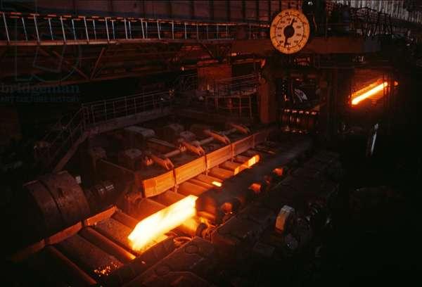 Molten steel at Baotou Steel Works, Baotou, Inner Mongolia, China, 1985 (photo)