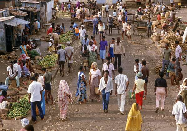 Antsiranana market in Madagascar, East Africa, Africa, 1980s (photo)