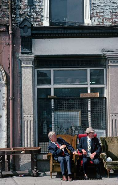 Antique, second hand shops on The Quays, River Liffey, Dublin, as referred to in James Joyce 'Dubliners', Ireland (photo)