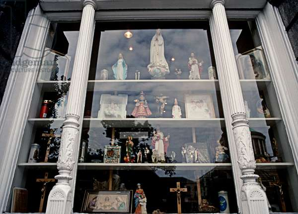 Religious statues shop in Dublin... James Joyce referred to 'Religious Symbols' in Dubliners, Ireland (photo)