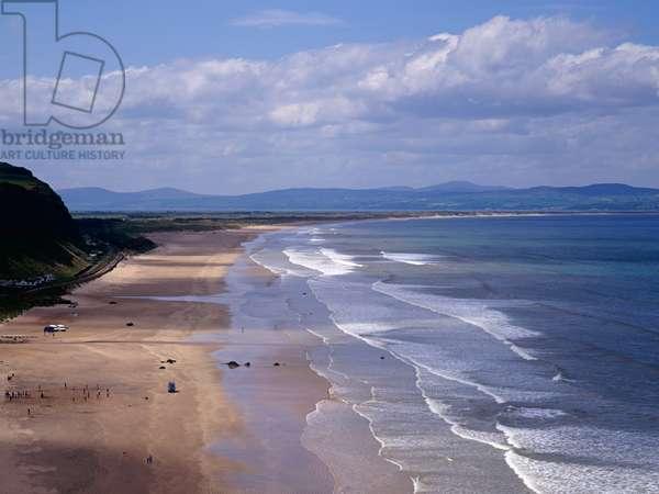 Downhill Strand, North Antrim coast, Northern Ireland with Inishowen peninsula , Donegal in Background (photo)