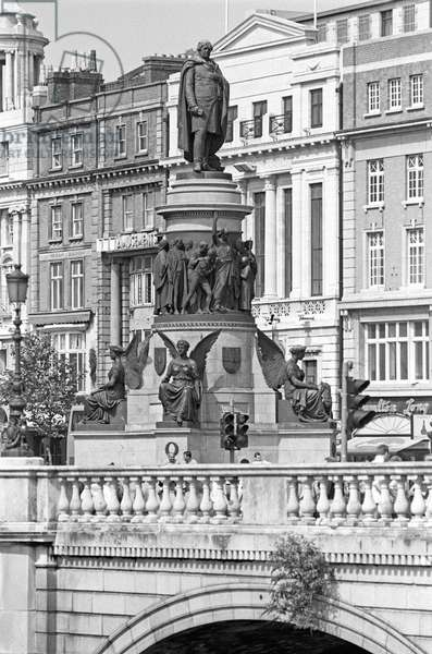 Statue of Daniel O'Connell, Irish polital leader in the first half of the 19th Century that campaigned for Catholic emancipation. Dublin, referred to in James Joyce 'Ulysses', Ireland (photo)