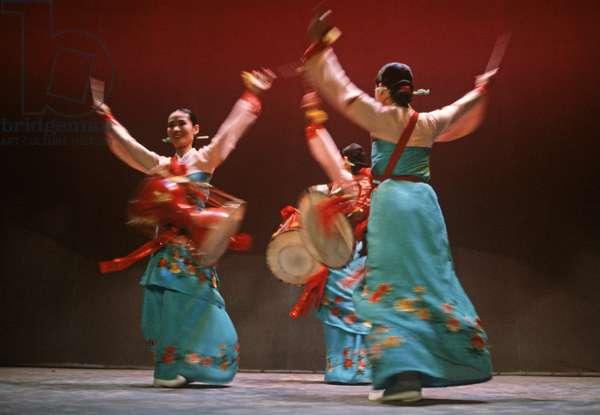 Dancers from the Seoul Metropolitan Dance Theatre, South Korea, Asia (photo)
