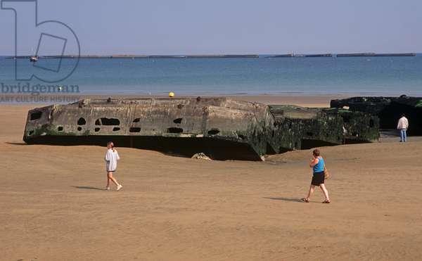 Arromanches beach, Normandy, France (photo)