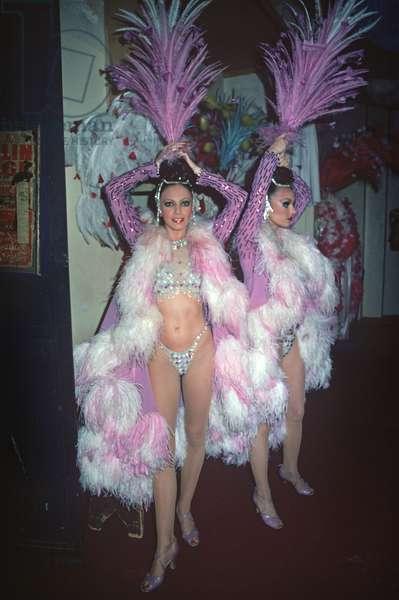 Show girls, dancers, backstage of the Moulin Rouge Cabaret, Clichy, Paris, France (photo)
