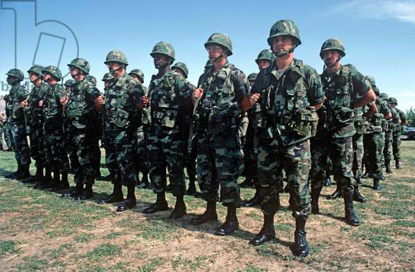 Unites States Army Soldiers On Parade In Fort Bliss, Texas, USA, 1983 (photo)