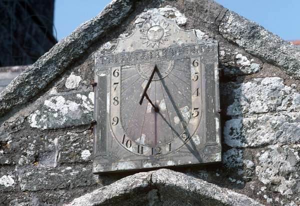 Sundial on 15th Century Church of England, St Endellion Church in an area of Area of Outstanding Beauty, 'AONB', North Cornwall, UK (photo)