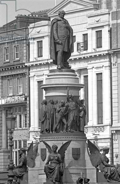 Statue of Daniel O'Connell, Irish polital leader in the first half of the 19th Century that campaigned for Catholic emancipation, Dublin, referred to in James Joyce 'Ulysses', Ireland (photo)