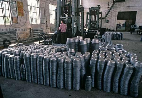 Steel pots in Baotou Enamel factory, Baotou, Inner Mongolia, China, 1985 (photo)