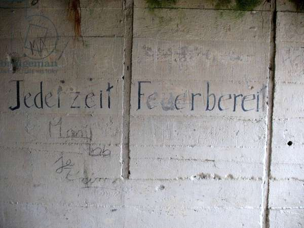 Anti-Semitic graffiti in a Nazi bunker, Omaha Beach (photo)