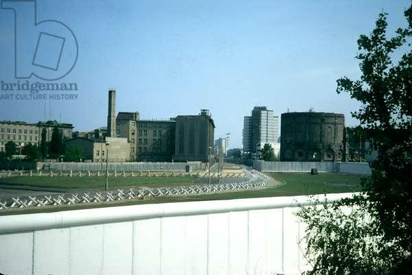 Berlin Wall, Potsdamer Platz, 1976 (photo)