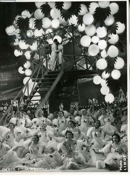 Lumieres de Paris, 1938 (b/w photo)