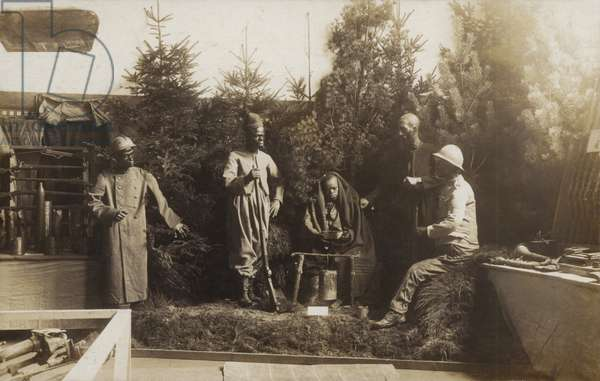 Diorama showing French colonial troops of the First World War (b/w photo)