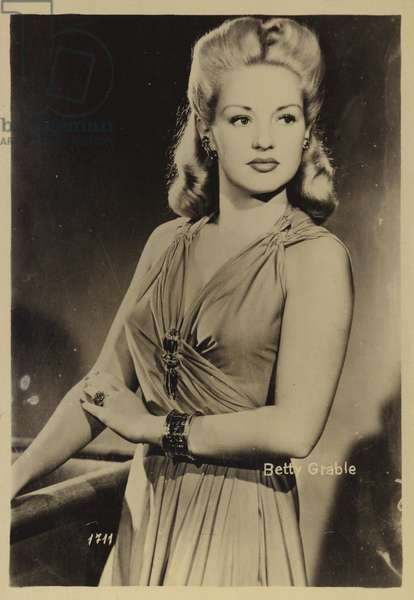 Betty Grable (b/w photo)