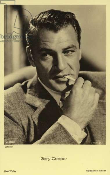Gary Cooper (b/w photo)