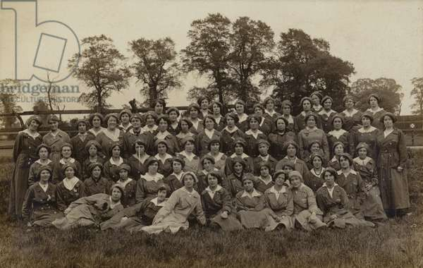 Group of female munitions workers, World War I (b/w photo)