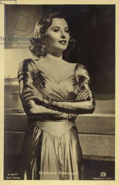 Barbara Stanwyck (b/w photo)