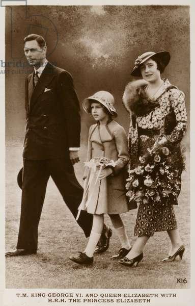 George,  Elizabeth Bowes-Lyon and Princess Elizabeth (b/w photo)