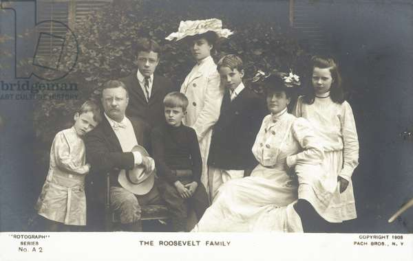US President Theodore Roosevelt and his family, 1903 (b/w photo)