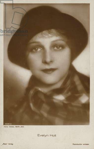 Evelyn Holt (b/w photo)