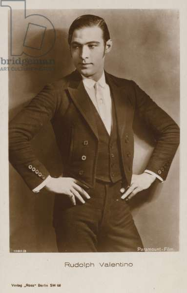 Rudolph Valentino (b/w photo)