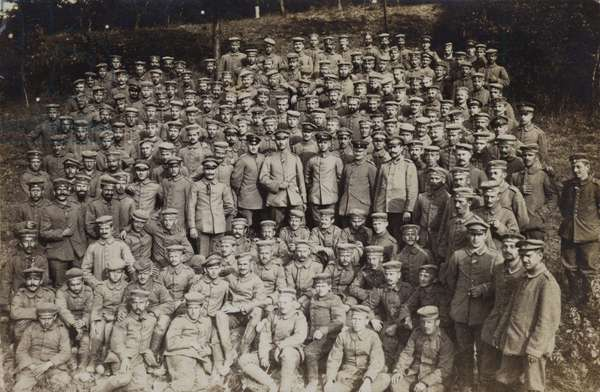 Large group of German soldiers, World War I (b/w photo)