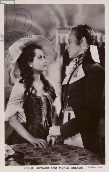 Leslie Howard and Merle Oberon in The Scarlet Pimpernel (1934) (b/w photo)