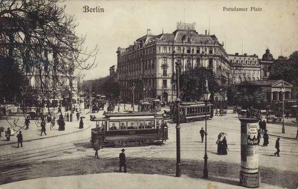 Postcard depicting Potsdamer Platz in Berlin (b/w photo)