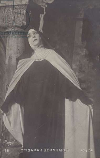 Madame Sarah Bernhardt (b/w photo)