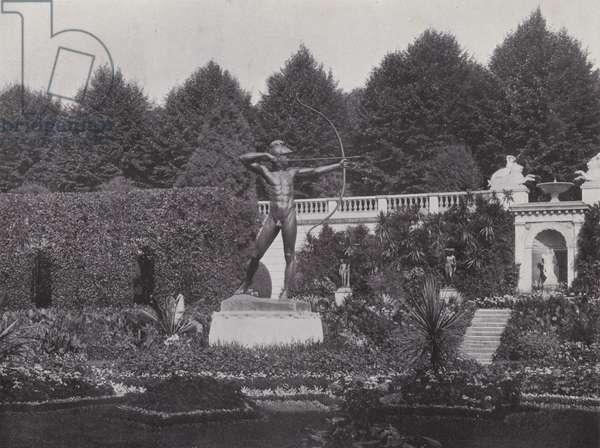 Potsdam, Sicilianischer Garten, Bogenschutze (b/w photo)