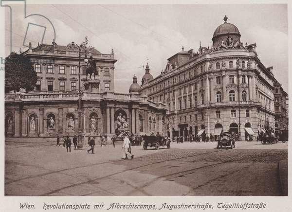 Wien, Revolutionsplatz mit Albrechtsrampe, Augustinerstrasse, Tegetthoffstrasse (b/w photo)