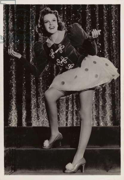 Judy Garland (b/w photo)