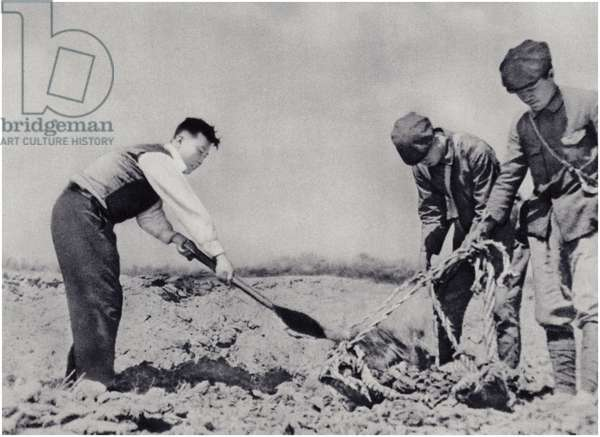 Comrade Kim Il-sung digging at the turning of the stream of the Potonggang river (litho)