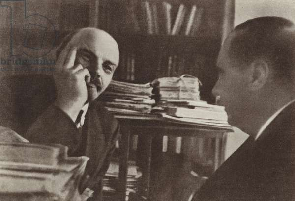 Lenin chats with the English writer H G Wells in the Kremlin, Moscow, October 1920 (b/w photo)