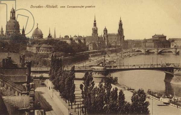 Dresden - old town seen from Terrassenufer (b/w photo)
