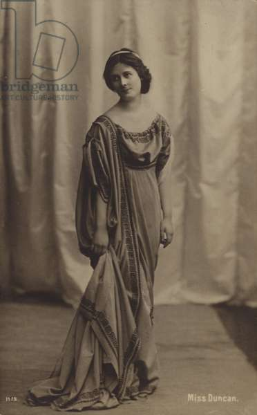 Isadora Duncan, American dancer (b/w photo)