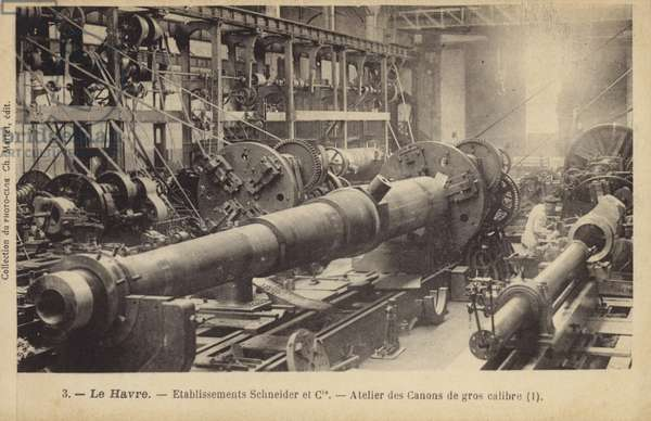 Factory manufacturing large calibra guns, Schneider and Co, Le Havre, France (b/w photo)