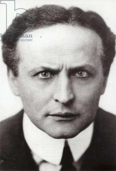 Harry Houdini, Hungarian-born American escapologist (b/w photo)